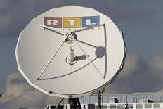 Le diffuseur européen RTL Group annonce un bénéfice 2015 conforme aux attentes, tiré par la croissance des revenus publicitaires sur son marché principal, l'Allemagne, et des taux de change favorables. /Photo d'archives/REUTERS/Wolfgang Rattay