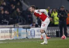 Ramsey é substituído em jogo do Arsenal com o Hull City.  8/3/16.  Reuters / Andrew Yates