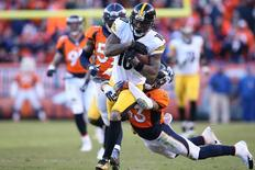 Jan 17, 2016; Denver, CO, USA; Pittsburgh Steelers wide receiver Martavis Bryant (10) runs against Denver Broncos strong safety T.J. Ward (43) during the third quarter of the AFC Divisional round playoff game at Sports Authority Field at Mile High. Mandatory Credit: Matthew Emmons-USA TODAY Sports