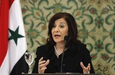 Старший советник президента Сирии Башара Асада Бутайна Шаабан на пресс-конференции в Дамаске. 24 марта 2011 года. Старший советник президента Сирии Башара Асада сказала во вторник, что российские силы могут вернуться в Сирию, а США теперь должны оказать давление на Турцию и Саудовскую Аравию для прекращения снабжения повстанцев. REUTERS/Khaled al-Hariri