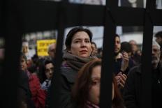 Manifestantes protestam contra acordo entre UE e Turquia em Madri.  16/3/2016. REUTERS/Susana Vera