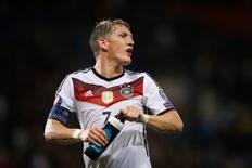 Schweinsteiger em partida Alemanha x Escócia 9/7/2015 Reuters / Lee Smith