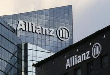L'assureur allemand Allianz cherche à vendre un portefeuille d'environ 4,5 milliards d'euros de contrats d'assurance-vie en Italie, selon plusieurs sources informées de ce projet. /Photo prise le 2 mars 2016/REUTERS/Jacky Naegelen