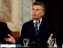 El Senado argentino dio después de la medianoche del miércoles la aprobación definitiva al acuerdo logrado en febrero para pagar miles de millones de dólares a los acreedores de deuda en default, un paso clave para que el país retorne a los mercados globales de capitales tras casi 15 años. En la imagen, el presidente de Argentina Mauricio Macri hablando durante la apertura de la legislatura 134 en el Congreso en Buenos Aires, Argentina, el 1 de marzo de 2016.  REUTERS/Marcos Brindicci