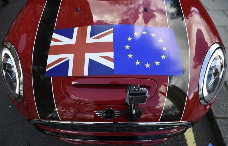 Britain's new minimum wage feeds in to 'Brexit' debate