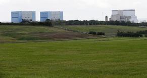Le PDG d'EDF, Jean-Bernard Lévy, a écarté mardi l'hypothèse d'un report du projet de centrale nucléaire d'Hinkley Point, en Angleterre, estimant qu'une telle décision risquerait d'inciter le gouvernement britannique à étudier d'autres solutions. /Photo d'archives/REUTERS/Suzanne Plunkett