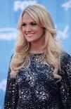Cantora Carrie Underwood em foto de arquivo ao chegar para final da temporada de 2012 do American Idol. 23/05/2012 REUTERS/Jason Redmond