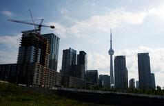 Condominiums are seen under construction in Toronto, July 10, 2011.  REUTERS/Mark Blinch
