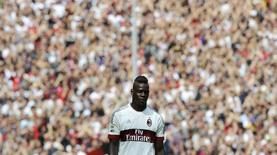Atacante Mario Balotelli durante partida do Milan.    27/09/2015       REUTERS/Giorgio Perottino/Files