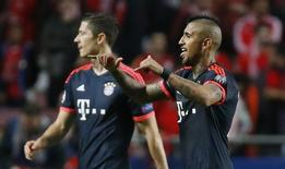 Vidal comemora gol do Bayern de Munique contra o Benfica. 13/4/16. Reuters/Paul Hanna