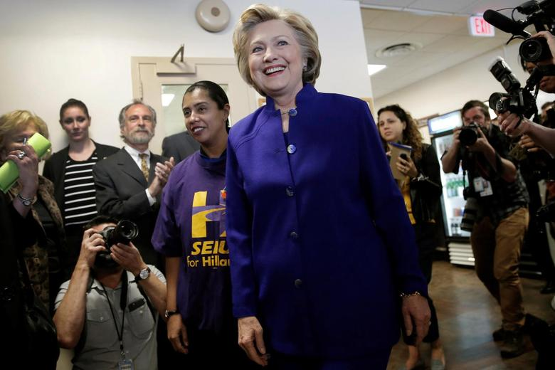 Democratic U.S. presidential candidate Hillary Clinton arrives to greet hospital workers at the St. John's Riverside Hospital during a campaign stop in Yonkers, New York, U.S., April 18, 2016.  REUTERS/Mike Segar