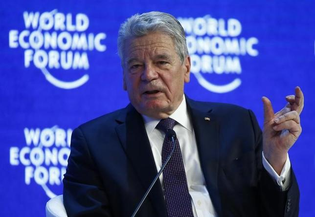 German President Joachim Gauck attends the session ''Hoping for Prosperity: Reflections on Flight and Migration to Europe'' during the annual meeting of the World Economic Forum (WEF) in Davos, Switzerland January 20, 2016. REUTERS/Ruben Sprich