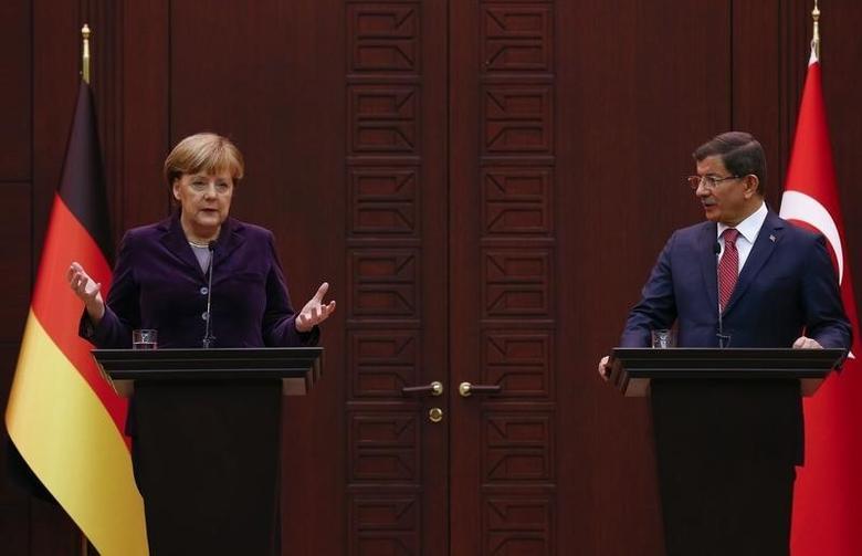 German Chancellor Angela Merkel gestures during a joint news conference with Turkish Prime Minister Ahmet Davutoglu in Ankara, Turkey February 8, 2016.    REUTERS/Umit Bektas