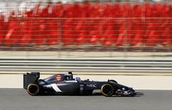 Sauber Formula One test driver Sergey Sirotkin of Russia drives during the first in-season test at Bahrain International Circuit (BIC) in Sakhir south of Manama, April 8, 2014. REUTERS/Hamad I Mohammed