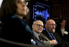 Os fundadores da Ligo Rainer Weiss (centro) e  Kip Thorne (direita) durante evento em Washington.      11/02/2016        REUTERS/Gary Cameron/Files