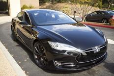 A Tesla Model S with version 7.0 software update containing Autopilot features is seen during a Tesla event in Palo Alto, California October 14, 2015. REUTERS/Beck Diefenbach/Files