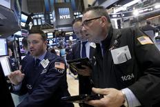 La Bourse de New York a débuté en baisse mercredi après l'annonce de créations d'emplois dans le secteur privé à leur plus bas niveau en trois ans. L'indice Dow Jones perd 0,47% dans les premiers échanges. Le Standard & Poor's 500, plus large, recule de 0,48% et le Nasdaq Composite cède 0,49%. /Photo d'archives/REUTERS/Brendan McDermid