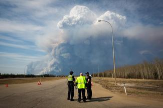 Wildfire rages in Fort McMurray