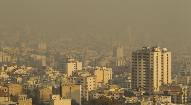 A general view shows smog over northwestern Tehran November 23, 2010. REUTERS/Raheb Homavandi