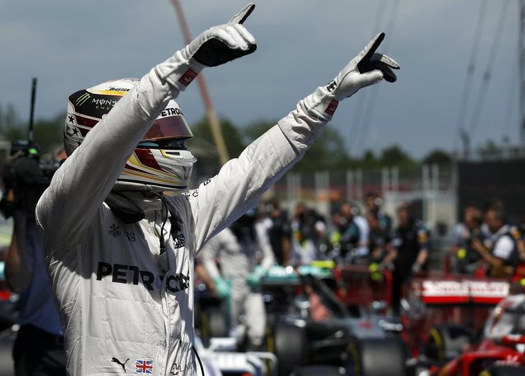 Hamilton on pole in Spain | Reuters