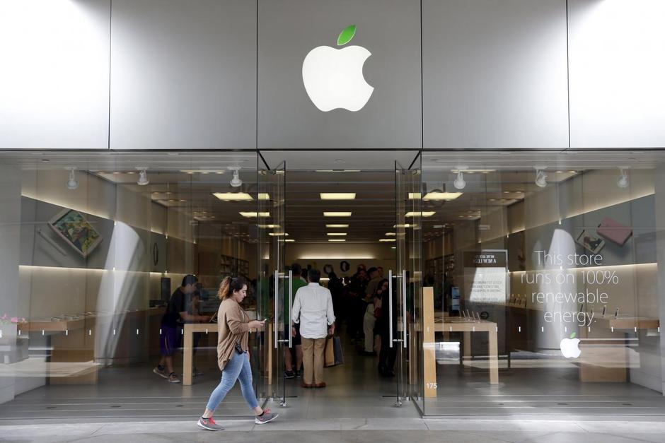 An Apple Store Is Seen In Los Angeles California United States April 22 2016 REUTERS Lucy Nicholson