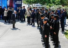 Полицейский кордон во время оппозиционной акции протеста в Алма-Ате. 7 мая 2016 года. Полиция и суды Казахстана арестовали несколько противников готовящейся земельной реформы, планировавших принять участие в акции протеста 21 мая в нескольких городах страны, сообщили активисты в среду, назвав это попыткой сорвать проведение митингов. REUTERS/Shamil Zhumatov