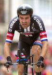 Giant-Alpecin Team rider Tom Dumoulin of the Netherlands competes to win the 17th stage individual time trial of the Vuelta Tour of Spain cycling race in Burgos, Spain, September 9, 2015. REUTERS/Joseba Etxaburu