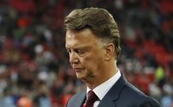 Técnico Louis van Gaal durante final da FA Cup entre Manchester United e Crystal Palace. 21/05/2016 REUTERS/John Sibley