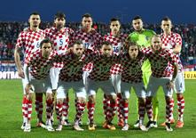 Football Soccer - Croatia v Israel - International friendly match - Stadium Gradski Vrt, Osijek, Croatia - 23/3/16 Croatia's players pose for a team photo before the match. REUTERS / Antonio Bronic - RTSC0YH