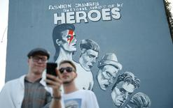 A David Bowie mural is seen during an unveiling ceremony, to commemorate the British musician's humanitarian work during the Bosnian war, in Sarajevo, Bosnia and Herzegovina May 28, 2016.  REUTERS/Dado Ruvic