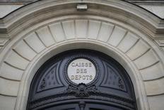 Caisse des Depots (CDC), el banco estatal francés, está considerando vender una parte o toda su participación en el operador de autopistas Sanef, cuyo propietario mayoritario es la española Abertis, dijeron a Reuters el miércoles tres fuentes familiarizadas con el asunto. Foto  de archivo/REUTERS/Stéphane Mahé