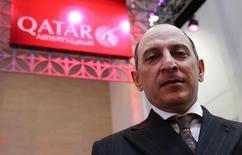 Le directeur général de Qatar Airways, Akbar al Baker. La compagnie a annulé sa première commande de l'Airbus A320neo en raison de retard de livraison. /Photo prise le 9 mars 2016/REUTERS/Fabrizio Bensch