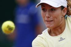 Tennis - French Open - Roland Garros -  Shelby Rogers of the U.S. v Garbine Muguruza of Spain - Paris, France - 1/06/16. Garbine Muguruza eyes the ball. REUTERS/Pascal Rossignol