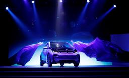 BMW's first all-electric car, i3, is unveiled at a ceremony in Beijing July 29, 2013.   REUTERS/Kim Kyung-Hoon/File Photo