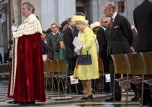 Rainha Elizabeth durante cerimônia na Catedral de St. Paul, em Londres.    10/06/2016      REUTERS/Jenny Goodall/Pool