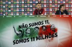 Goleiro Anthony Lopes durante entrevista coletiva na França.    09/06/2016      REUTERS/Gonzalo Fuentes