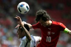 Football Soccer - Czech Republic v South Korea - International Friendly - Prague, Czech Republic - 05/06/16. Czech Republic's Tomas Rosicky and South Korea's Suk Hyun-jun in action. REUTERS/David W Cerny - RTSG34Y