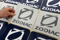 Zodiac Aerospace fait état mardi d'un chiffre d'affaires en progression de 3,7% au troisième trimestre de son exercice décalé et confirmé ses objectifs financiers annuels à un niveau proche de celui de l'exercice précédent. /Photo prise le 22 mars 2016/REUTERS/Régis Duvignau