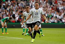 Football Soccer - Northern Ireland v Germany - EURO 2016 - Group C - Parc des Princes, Paris, France - 21/6/16 Germany's Mario Gomez celebrates after scoring their first goal  REUTERS/John Sibley