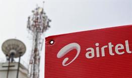 Orange a finalisé le rachat de l'opérateur mobile Airtel au Burkina Faso, qui compte près de 4,6 millions de clients, après avoir obtenu les feux verts nécessaires. /Photo d'archives/REUTERS/Sivaram V