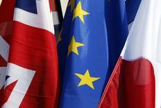 """La victoire du """"Brexit"""" au référendum britannique ne devrait pas enrayer la reprise de l'économie française dans l'immédiat mais, à terme, celle-ci en pâtira forcément, estiment des économistes interrogés par Reuters. /photo prise le 3 mlars 2016/REUTERS/Philippe Wojazer"""
