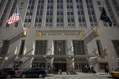 The Waldorf Astoria is pictured at 301 Park Avenue in New York October 6, 2014. REUTERS/Brendan McDermid