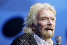 Richard Branson, fundador y presidente de Virgin Group, durante una conferencia en California, Estados Unidos. 19 de febrero de 2016. Richard Branson, fundador y presidente de Virgin Group, dijo el martes que la compañía ha perdido casi un tercio de su valor desde el referendo de la semana pasada en el que los británicos decidieron dejar la Unión Europea y agregó que el país se dirige a una catástrofe. REUTERS/Lucy Nicholson