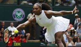 Serena Williams em partida de Wimbledon. 28/06/2016 REUTERS/Stefan Wermuth