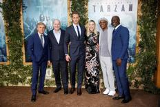 "Director David Yates (2nd L) poses with (L-R) cast members Christoph Waltz, Alexander Skarsgard, Margot Robbie, Samuel L. Jackson and Djimon Hounsou at the premiere of the movie ""The Legend of Tarzan"" in Hollywood, California, June 27, 2016. REUTERS/Danny Moloshok"
