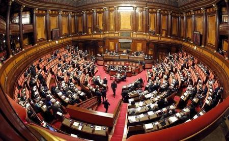 """البرلمان الإيطالي يقر """"تعديل ريجيني"""" لوقف تزويد مصر بقطع غيار حربية ?m=02&d=20160629&t=2&i=1143450784&w=450&fh=&fw=&ll=&pl=&r=LYNXNPEC5S1IS"""