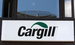 A logo is pictured on the building of Cargill International SA in Geneva in this August 4, 2009 file photo. REUTERS/Denis Balibouse