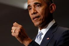 Президент США Барак Обама выступает с речью в Варшаве. 8 июля 2016 года. Страны НАТО должны проявить политическую волю и дать твердые обязательства, чтобы противостоять вызовам со стороны ИГИЛ, России и Brexit, говорится в статье президента США Барака Обамы, опубликованной в Financial Times. REUTERS/Jonathan Ernst