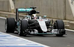 Britain Formula One - F1 - British Grand Prix 2016 - Silverstone, England - 8/7/16 Mercedes' Lewis Hamilton during practice Action Images via Reuters / Andrew Boyers Livepic