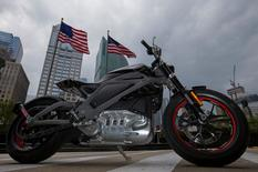 """Harley Davidson's first ever electric motorcycle """"Project LiveWire"""" is seen in Chicago, Illinois, United States, June 25, 2015. Picture taken June 25, 2015. REUTERS/Jim Young"""